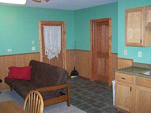 Mississippi river fish cabin rental genoa wi fishing cabins for Clements fishing barge