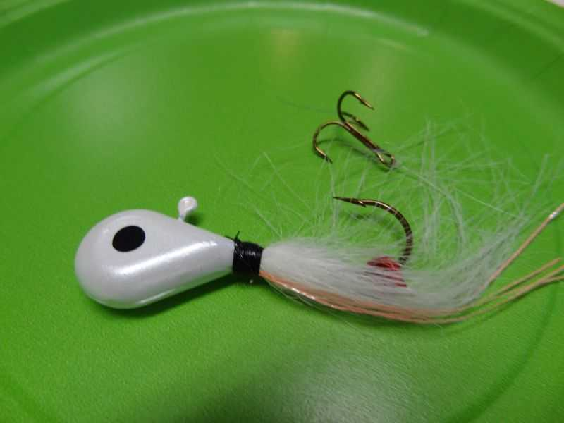 Pearl head, White tail - 281